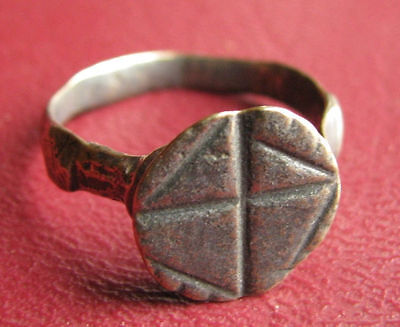 Metal Detector Find> Early Byzantine Crusader Ring 3/4 US 18mm   5994