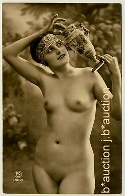 SHAPELY NUDE GIRL in CLASSICAL POSE * 20s Photo * AKT