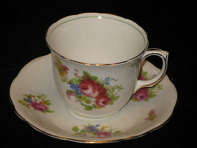 FOLEY CHINA - #V2662 FLOWER BOUQUET - CUP & SAUCER 25A
