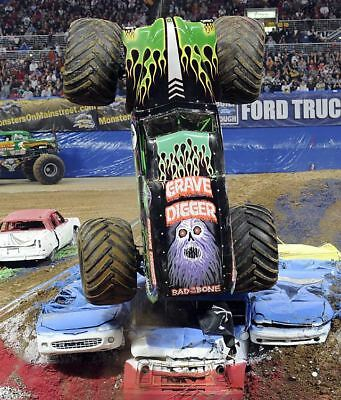 Grave Digger Bad To The Bone Monster Truck Crushing Cars 8X10 Photo Picture