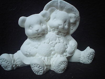 "ST PAT Ceramic Bisque 4.5/"" X  6.7/"" Irish Cuddle Bears w// Shamrock-Ready to Paint"