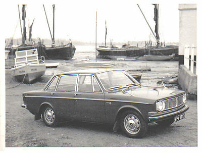 Volvo 144S B18 circa 1967 original black & white Press Photograph