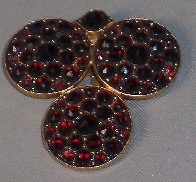 ANTIQUE VICTORIAN BOHEMIAN GARNET GOLD GILT DRESS CLIP WITH THREE CIRCLE DESIGN