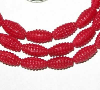 VINTAGE RED CZECH CORN ON A COB GLASS TRADE BEADS