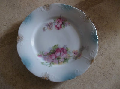 Magnificent  flowers and 22K Gold Rim plate not marked
