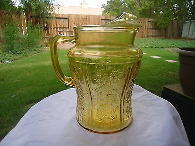 Amber Sharon Cabbage Pitcher With Ice Lip