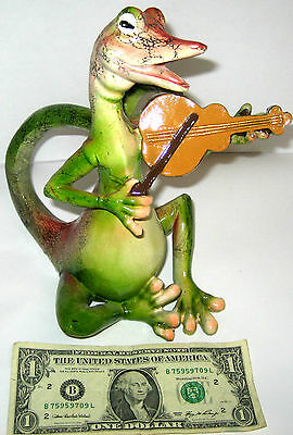 NEW IN BOX Collectible Polystone Sitting Lizard Musician Playing Violin 9'' Tall