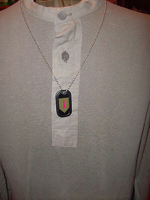 U.s Military Dog Tags 1St Infantry Division With Rubber Silencer And Chain.