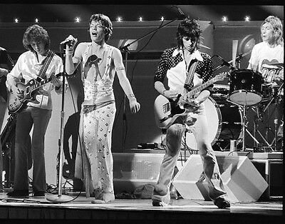 Mick Jagger & Keith Richards + Band In Concert Rolling Stones 8X10 Music Photo