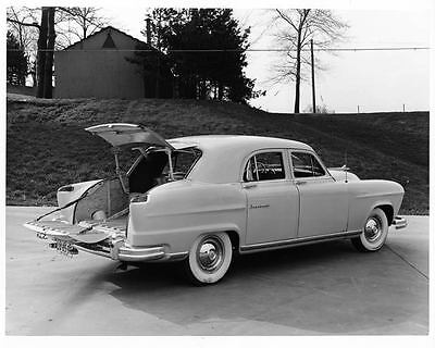 1951 Kaiser Frazer Vagabond Factory Photo ad6282-16L69Q