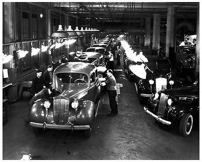1938 Packard Final Assembly Line Automobile Photo Poster zae0937-LUHPWI