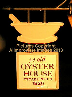 Dept 56 New England UNION OYSTER HOUSE! 57004 NeW! MINT! FabULoUs!