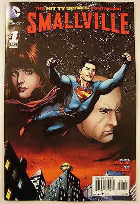 WB SMALLVILLE * SEASON 11 * Comic Book # 1 ~ FIRST ISSUE 1ST PRINT VF  2012