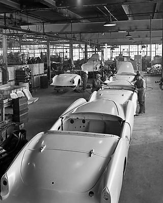 1954 Kaiser Darrin on Assembly Line Factory Photo ub4297-WPKMMI
