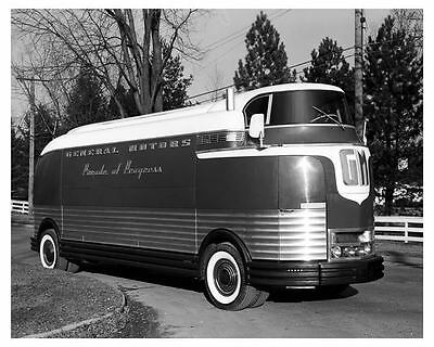1941 GMC Futurliner Concept Parade of Progress Bus Factory Photo uc2780