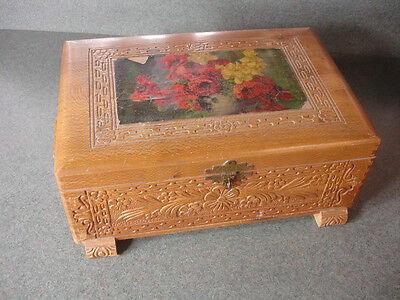 Old Vtg Antique Wooden Wood Box Flower Design On Top Dove Tail Pattern