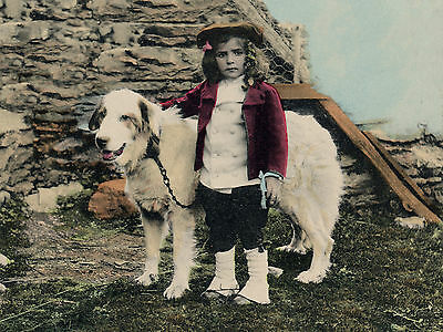 PYRENEAN MOUNTAIN DOG AND SMALL GIRL LOVELY VINTAGE IMAGE ON GREETINGS NOTE CARD