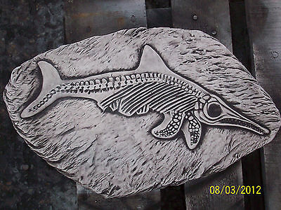 Large Fish Fossil Stepping Stone/Wall Plaque Garden Ornament Latex Mould STEP3L)