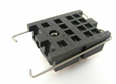 14−Pin Blade Relay Socket: NTE R95-107: New
