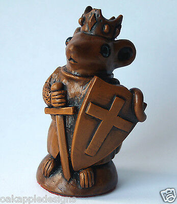 Church Mouse Ornament Richard the LionHeart Unique English Collectable Mice Gift