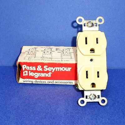Pass & Seymour 125Volts 15Amp Ivory Duplex Receptacle Br15-I *New*