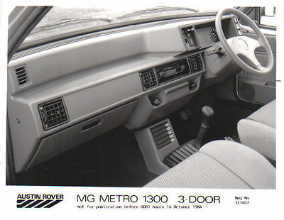 MG Metro 1300 Interior original 1984 Press Photograph No. 323407