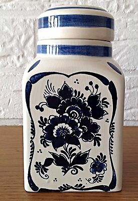 DELFTS HAND-PAINTED APOTHECARY JAR WITH LID