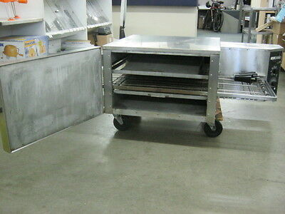 Lincoln Pizza Conveyor Oven (Left to Right)