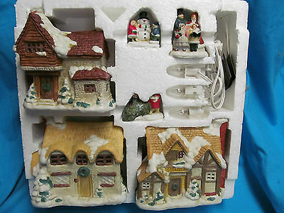 TISY CERAMIC LIGHTED CHRISTMAS VILLAGE MADE IN TAIWAN HOUSE OF LLOYD