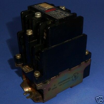 Allen Bradley 110/120Vac Coil Type Nm Latch Type Ac Relay 700-Nm600A1 Ser. D