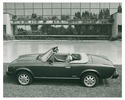 1984 Fiat Pininfarina Spider Europa Automobile Photo Poster zch3749