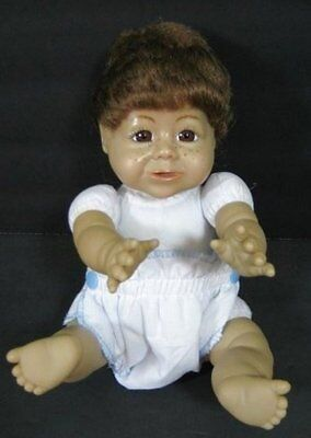 """10"""" Vintage Baby Doll SYNDEES Tricia Freckles Brown Hair Vinyl Face B239"""