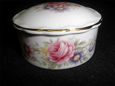 "Retro   Porcelain Miniature Dish  With Lid Queen's  England ""richmond"""