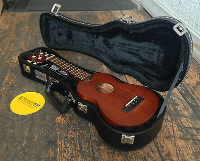 Makala MKS Natural  Soprano Ukulele Uke With Hard Case RRP £89.99