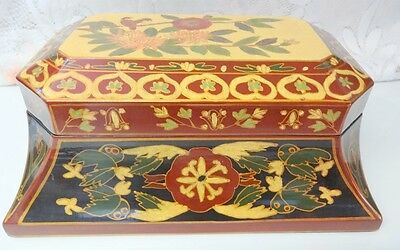 Chinese Hand Carved Bird Decorated Famille Rose Lacquer Wood Jewelry Box