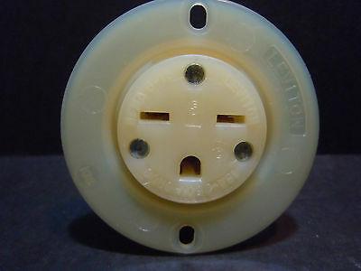 Leviton 15679-C 15 Amp 250 V Flanged Receptacle 6-15 2 Pole 3 Wire NEW
