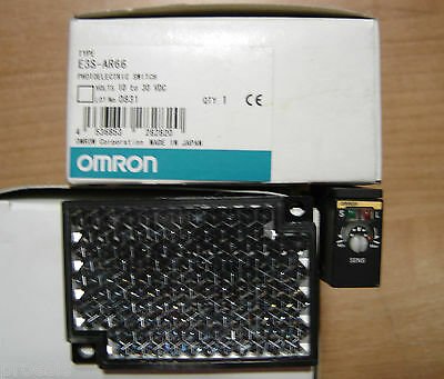 OMRON E3S-AR66 Photoelectric switch built-in amplifier Vertical Retroreflective