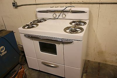 1950s Maytag Gas Stove Or Range Antique Or Vintage