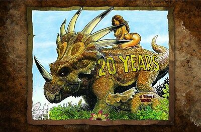CAVEWOMAN CONVENTION BOOK - 2014 CVR A - 20th Anni Full Color - Signed by Budd