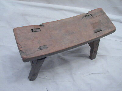 Early Primitive Wooden Mortised Leg Milking/Foot Stool Bench Rest Farm Country d