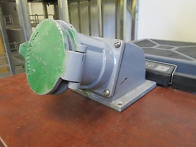 Russellstoll Receptacle w/Angle Adapter DF6516FRAB 60A 120/208V 5W Used