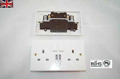 Uk Power Socket 2 Way  With Usb Charging Port Wall Plate White