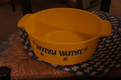 Betsy Wetsy Tub from 1960's in good shape