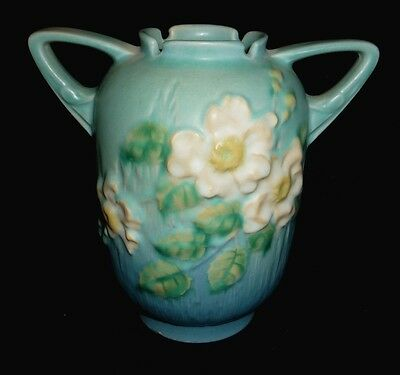 """White Rose and Blue Roseville Pottery Double Handle Vase Ewer Style No. 979-6"""""""