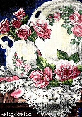 """Dimensions Gold Counted Cross Stitch kit 5"""" x 7"""" ~ LACE AND ROSES Sale #06929"""