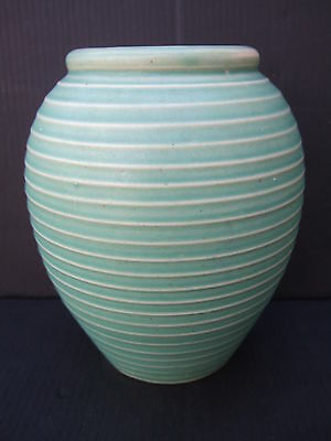 LOVELY LOVAT GREEN AND CREAM BEEHIVE POTTERY VASE
