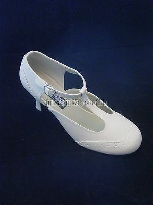 1920's 1930's Downton Abbey Gatsby flapper style cream color mary jane shoe
