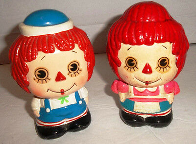 """Vintage 4.5"""" Raggedy Ann and Raggedy Andy Banks - Set of 2 Ceramic"""