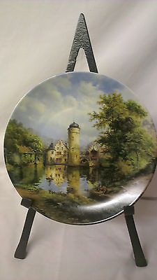 Dreamy Mespelbrum. Moated castles. Guinther. Collectors Plate. Boxed COA