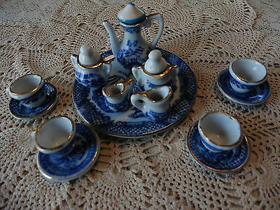 Antique 17 pieces  Miniature Blue Willow Tea Set Made in Japan